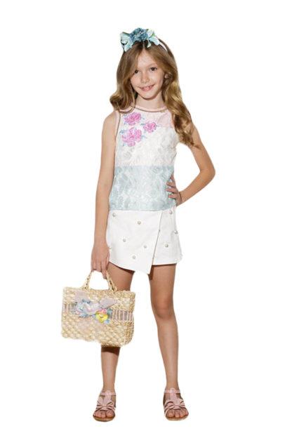 Conjunto Infantil Luluzinha em tom bege claro maravilhoso com renda e pérola! Blusa rendada com pérolas e saia em tule rodada.