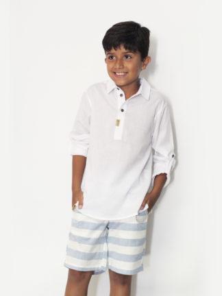 Camisa Infantil Masculina Oliver branca no estilo kaftan em voil para deixar seu príncipe muito estiloso!
